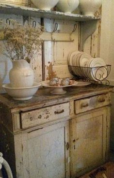 Shabby Chic home decor knowledge reference 6929803454 to attain for one really smashing, bright room. Please press the pin image now for brilliant ideas. Cozinha Shabby Chic, Shabby Chic Kitchen, Shabby Chic Homes, Rustic Kitchen, Country Kitchen, Vintage Kitchen, French Kitchen, Vintage Cabinet, Country Living