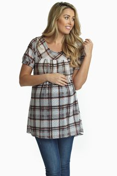 Thanks to this babydoll maternity top and its flowy, lightweight fabric, you can keep you cool and comfortable while the knockout plaid print will make bold statement.