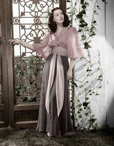 Pretty sure this is Vivien Leigh. Love.