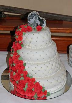Bruidstaart rozen waterval