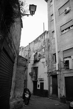 Una stradina del Centro Storico di Palermo.
