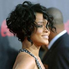 Rihanna+with+short+curly+hair