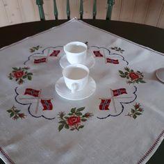 Napkins, Embroidery, Tableware, Needlepoint, Dinnerware, Towels, Dinner Napkins, Tablewares, Dishes