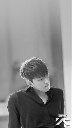 crazy black and white iKON~donghyuk❤ Kim Jinhwan, Chanwoo Ikon, Hanbin, K Pop, Bobby, Lee Hi, Winner Ikon, Ikon Kpop, Ikon Debut