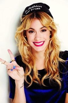 Martina Stoessel swagg picture 2014 ☑