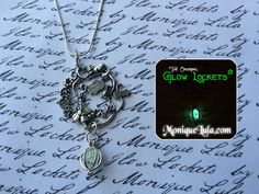 Glowies.net - Alice in Wonderland Cheshire Cat Glowie Orb Crystal Silver