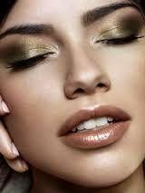 Afbeeldingsresultaat voor silver metallic eyeshadow