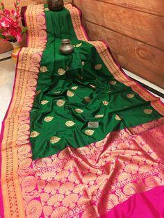Dark Green and Hot Pink Color Katan Banarasi Saree Pink Saree Silk, Kanjivaram Sarees Silk, Mysore Silk Saree, Banarsi Saree, Wedding Silk Saree, Green Saree, Soft Silk Sarees, White Anarkali, Wedding Saree Blouse Designs