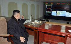 Kim Dzong Un nadzoruje start rakiety.