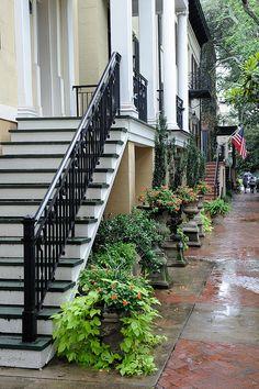 Green Alley - Savannah, GA, via Flickr.