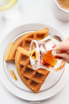 Gofry bezglutenowe. Chrupiące i lekkie. What's For Breakfast, Breakfast Options, Crepes And Waffles, Gluten Free Waffles, Coffee Health Benefits, Man Food, Dessert Recipes, Desserts, Recipe Of The Day