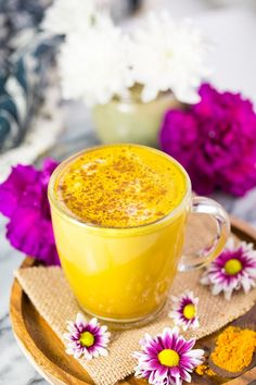Rich and creamy Golden Turmeric Latte with coconut milk, coffee, cinnamon and a splash of vanilla blended together in seconds Fruit Drinks, Fruit Smoothies, Yummy Drinks, Healthy Drinks, Healthy Snacks, Fancy Drinks, Healthy Eats, Beverages, Milk Recipes