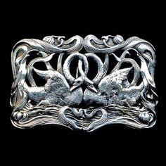 Art Nouveau swan buckle c. Art Nouveau Jewelry, Jewelry Art, Antique Jewelry, Vintage Jewelry, Bird Jewelry, Art Deco, Art Nouveau Design, Belle Epoque, Or Antique