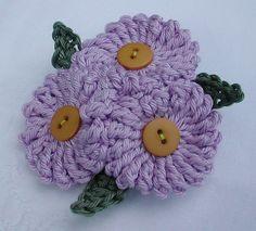 Crochet Flowers Ideas Crocheted Flowers with Button Centers ~ Green Rabbit Designs - Crochet Puff Flower, Crochet Flower Patterns, Flower Applique, Love Crochet, Irish Crochet, Crochet Motifs, Thread Crochet, Crochet Crafts, Yarn Crafts