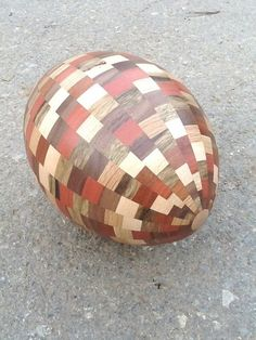 Plywood Football by Aviad Mishaeli | פוטבול מעץ לבוד, אביעד מישאלי
