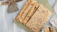 Whole Wheat Sandwich Bread Recipe - apryl uses cups white flour Whole Wheat Sandwich Bread Recipe, Sandwich Loaf, Sandwich Bread Recipes, Loaf Recipes, Bakery Recipes, Bread Recipe King Arthur, King Arthur Flour, Bagels, Tortillas
