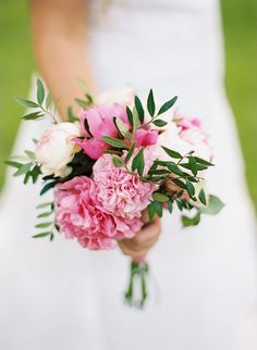 Simple pink peony wedding bouquet with green leaves - but with carnations and garden roses! Wedding Bridesmaid Bouquets, Simple Wedding Bouquets, Rustic Wedding Flowers, Floral Wedding, Trendy Wedding, Bridesmaid Ideas, Carnation Wedding Bouquet, Bridal Bouquet Pink, Hand Bouquet