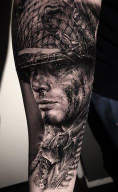 Tatuagens masculinas para o antebraço Norse Tattoo, War Tattoo, Tattoo Ink, Tattoos For Guys Badass, Rose Tattoos For Men, Black Tattoos, Army Tattoos, Military Tattoos, Great Tattoos