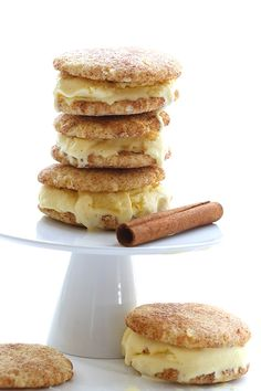 Snickerdoodle Ice Cream Sandwiches - Soft almond flour snickerdoodle cookies paired with delicious sugar-free vanilla ice cream. These low carb ice cream sandwiches may be the ultimate summer indulgence.