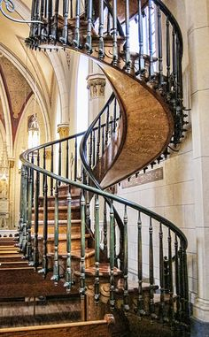 The Mysterious and Famous Loretto Chapel Staircase. Who built it remains a legend to this day!