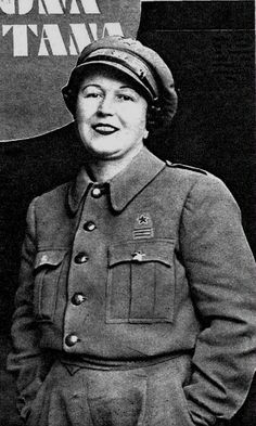 Anita Carrillo, capitana republicana. Military Coup, Illustrations, Luftwaffe, Women In History, People Around The World, Old Photos, Spanish, Female, Warrior Women
