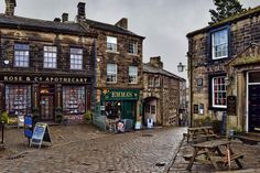 The Bronte-obsessed town of Haworth: Exploring the cobbled streets of Haworth, a pretty little English village that clings to the edge of the West Yorkshire moors, and the landscape beyond. Welcome to Bronte Country.