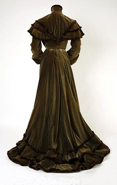 Dress 1902, American, Made of silk and fur