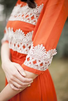 I love lace and vintage style, so this is perfect. Not my favorite color, but it's still beautiful. Anthropologie Tangerine Flicker Dress DIY: Love this concept. Look Fashion, Diy Fashion, Ideias Fashion, Looks Vintage, Vintage Lace, Vintage Dresses, Antique Lace, Do It Yourself Mode, Estilo Lolita