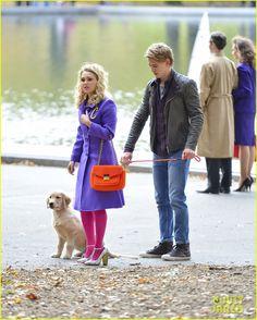 AnnaSophia Robb & Austin Butler: Puppy on 'Carrie Diaries' Set! | annasophia robb austin butler puppy carrie diaries 03 - Photo