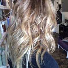 Are you looking for pictures for hairstyles? Check this out for very best hairstyle inspiration.This hairstyles appears to be totally fantastic. Light Chocolate Brown Hair, Chocolate Hair, Brown Hair Looks, Hot Hair Styles, Colored Highlights, Hair Blog, Hair Ties, Hair Goals, Cool Hairstyles