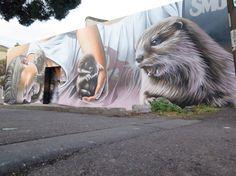 Der aus Glasgow stammende Street Artist Smug One bescherte den Bewohnern im australischen Melbourne in den letzten Tagen gleich 2 wahnsinnig dope Murals.