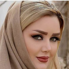 How to get beautiful eyes ? Simple ways for attractive eyes Iranian Beauty, Muslim Beauty, Lovely Eyes, Stunning Eyes, Beautiful Muslim Women, Beautiful Hijab, Beautiful Blonde Girl, Beautiful Girl Image, Cute Beauty