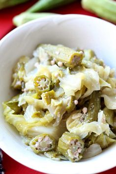 This steamed cabbage and okra dish is a classic! Full of flavor, this side dish is perfect for any meal! The hint of garlic mixed in with the fresh cabbage and okra really hits home! It's so flavorful, my kids even loved it! Vegetarian Cabbage, Vegetarian Recipes, Healthy Recipes, Vegetarian Barbecue, Barbecue Recipes, Vegetarian Cooking, Free Recipes, Easy Recipes, Okra Recipes