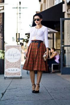Everything I love about longer, vintage-inspired skirts. I would wear this outfit everyday if I could.