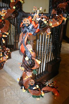 halloween garland in deco mesh   Prettify Your Life: Episode 113: Halloween Stairs