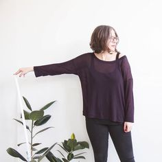 It's been a computer heavy and very busy week so I took an hour yesterday to make myself a new shirt. This super dreamy dark plum silk/viscose jersey made a perfect semi-sheer Hemlock!  #hemlocktee by grainlinestudio