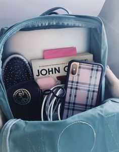 vsco- emilyli - Travel World Aesthetic Backpack, Travel Aesthetic, Aesthetic Boy, Aesthetic Drawing, Mochila Kanken, Kanken Backpack, College Backpack Essentials, Office Essentials, Bathroom Essentials