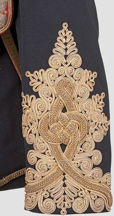 Hussars, Major's tunic,details of the cuff. Motif Soutache, Soutache Pattern, Historical Costume, Historical Clothing, Gold Embroidery, Embroidery Patterns, Military Costumes, Gold Work, Fabric Manipulation
