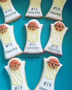 Basketball cookies #basketballcookies #sportscookies #basketballplayer #sugarcookies #raspberrycookies #orangevanillacookies #whiskedawaycutters #sweettradebakery #piratebakercookiemaker #royalicingcookies #cookiesofinstagram