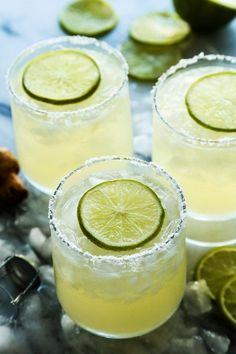 Prosecco Margaritas | What better way to celebrate summer with some delicious cocktails. Serve these and your summer party will be a big hit! Big batches of sangria, prosecco and punch are perfect for summer entertaining since they are light and crisp in flavor. Because sunshine and sangria go hand in hand! #summercocktails #cocktailrecipes #sangria #mimosa