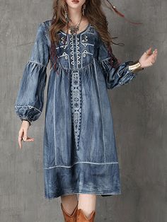 Shop Ethnic Embroidery Single-breasted Denim Maxi Dress at EZPOPSY. Denim Maxi Dress, Womens Denim Dress, Denim Dresses, Maxi Dresses, Fashion Moda, Denim Fashion, Boho Fashion, Trendy Fashion, Style Fashion