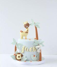 In the jungle... #cakedecorating #cakedesign #birthdaycake #instacake #cakestagram #sugarart #art #edibleart #jungle #animals #cute…