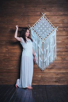 This large dream catcher wall hanging will become a perfect addition to an empty wall in the house. Choose this boho decor if you would like to add texture and style to your space. This bohemian wall art will let you creative personality shine through. Grand Dream Catcher, Dream Catcher Nursery, Large Dream Catcher, Dream Catcher Boho, Bohemian Wall Tapestry, Bohemian Wall Decor, Boho Bedroom Decor, Motif Mandala Crochet, Feather Wall Art