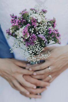 šopek (šlajer, statice, bel, vijoličen) bouquet (baby breath, limonium, wax…