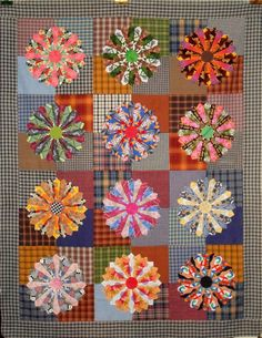 T-Leftovers Served on Dresden Plates by Linda Rotz Miller Quilts & Quilt Tops, Dresden Plate Patterns, Dresden Plate Quilts, Quilt Patterns, Circle Quilts, Quilt Top, Hexagon Quilt, Kaleidoscope Quilt, Civil War Quilts, Plaid Quilt