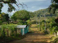 Santa Rosa de Upata Calle Real. Este sector rural al Sur de la ciudad es una importante zona de producción agropecuaria.