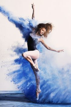 ~Today is Beautiful~ Dancer: Kate Byrne Photographer: Andy Bate - Ballet Photography, Photography Poses, Beauty Photography, Outdoor Dance Photography, Dance Aesthetic, Rauch Fotografie, Tableaux Vivants, Poses References, Dance Movement