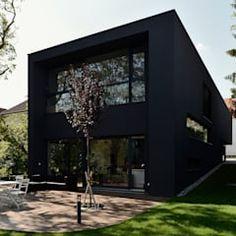 Gartenansicht: minimalistische Häuser von Architekt Zoran Bodrozic