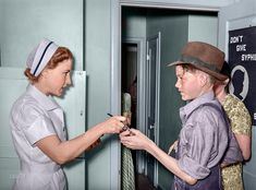 May 1940 - Nurse giving instructions to son of migratory laborer : Colorization Colorized Photos, Name Calling, Nice Tops, Sons, How To Become, Black And White, Color Pictures, Black White, Blanco Y Negro