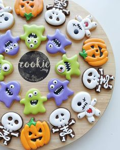 749 Likes, 14 Comments - Cookie. Halloween Cookie Recipes, Halloween Cookies Decorated, Halloween Sugar Cookies, Halloween Treats, Decorated Cookies, Happy Birthday Cookie, Birthday Cookies, Halloween Birthday, Halloween Kids